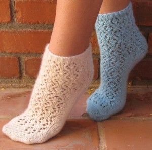 Haiku Flower Socks by Gina House (Black Pearl Yarns)